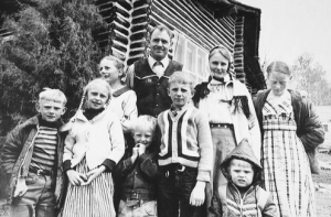 "After his brother-in-law detonated 50 pounds of dynamite in an attempt to ""resurrect"" a dead fundamentalist Mormon patriarch, John Timothy Singer shot and killed Lt. Fred House during a police stand-off. The Singer family is pictured above."